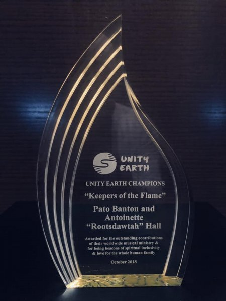 Earth Family - Keepers of the Flame Award - Pato Banton & Antoinette Rootsdawtah Hall